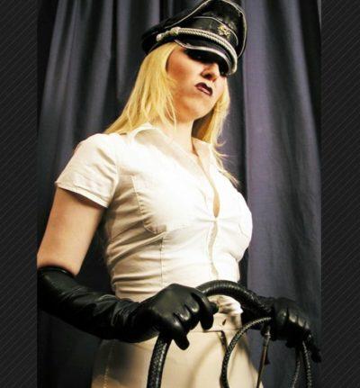 Maitresse Balkis - Femme Dominatrice